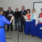 Выступает хор ветеранов поселка Новоселье